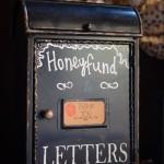 Honeyfund Vintage Mailbox